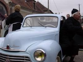 les Ragondet sortent de leur Simca 6 1949