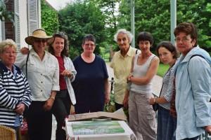 Quelques uns des artistes qui ont participé à l'atelier d'art 2007. De gauche à droite: aymonde Villerouge Ollivier, Christina Hammond, Agnès Hardy; Marie-Hélène Lafolie; Marie-Claude Gall; Mme Dufour et sa fille Agathe, Annie Cousson.