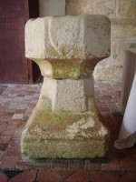 Eglise de Saint Martin: benitier